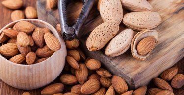 Орехи миндаль: польза и вред для организма