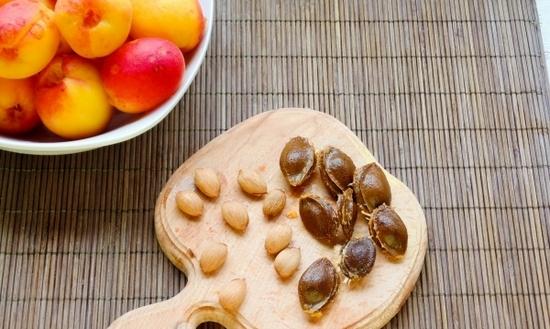 косточки абрикоса