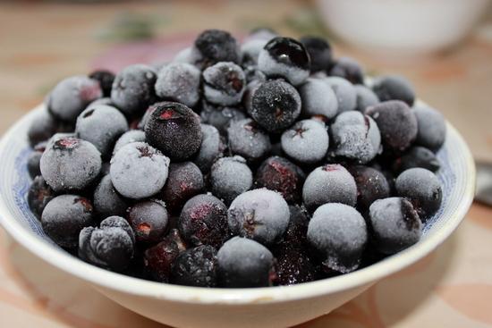 Рекомендации по применению черноплодной рябины для лечения