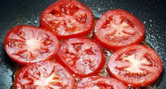 Обжарим помидорные кружки