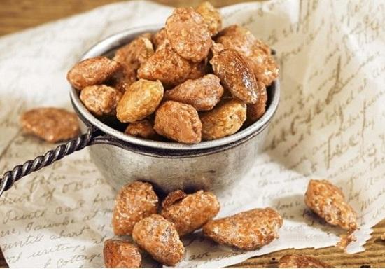 Миндальные орешки, обжаренные в какао
