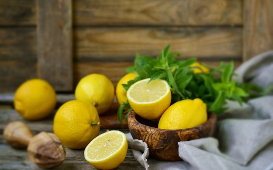 Лимон: польза и вред для организма человека