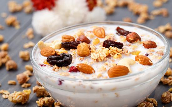 Мюсли: польза и вред с кефиром, молоком и добавками