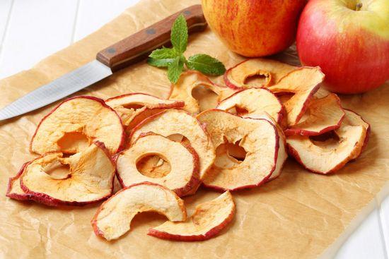 Сушеные яблоки: польза и вред
