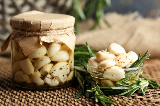 Чеснок: польза и вред свежего и тушеного овоща