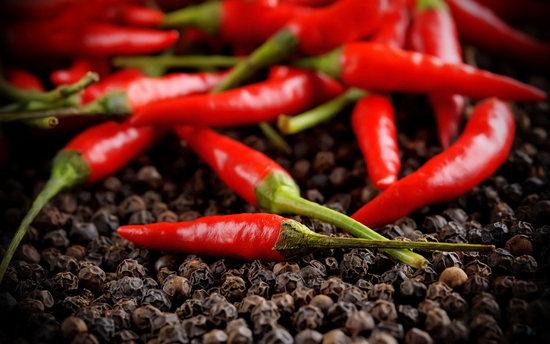 Красный перец: польза и вред стручкового овоща и молотого порошка