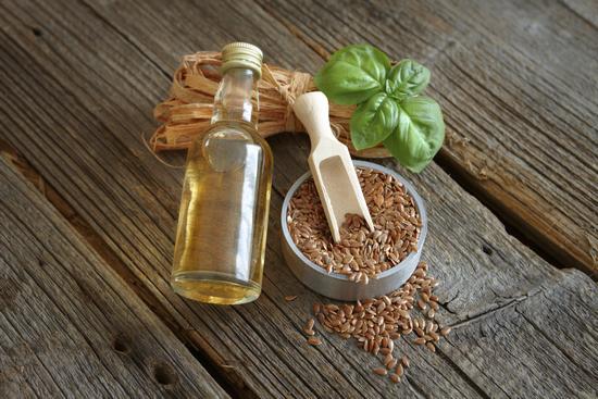 Льняное масло: польза для женщин