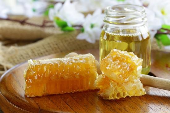 Мед в сотах: польза и вред природного нектара для женщин и мужчин