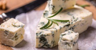 Сыр «Дор Блю»: польза и вред