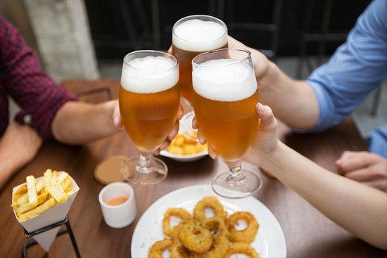 Какой вред пиво наносит организму мужчины и женщины?
