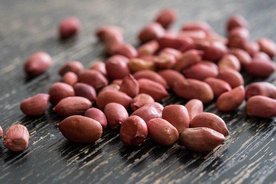 В чем вред жареного арахиса с солью?
