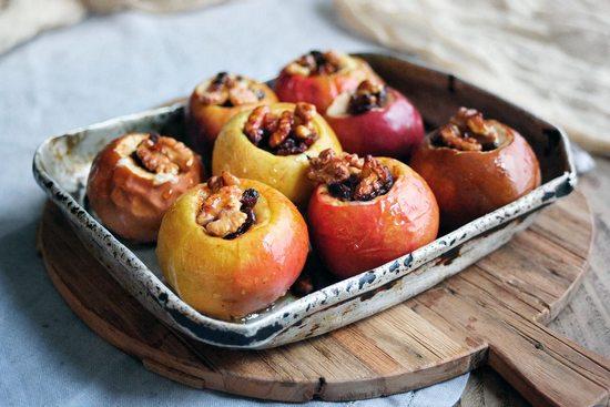 Печеные яблоки: польза и вред