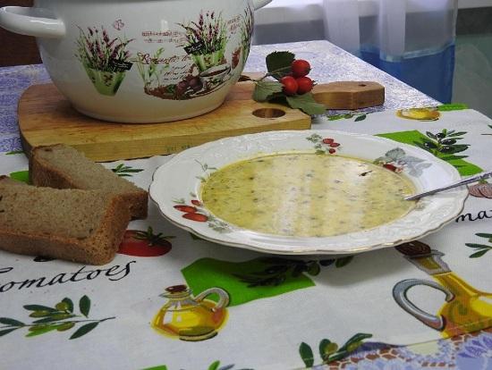 Сливочно-сырный супчик с сайрой