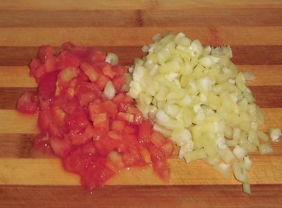 кубиками очищенный сладкий болгарский перец