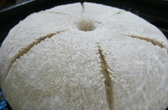 По поверхности заготовки сделаем насечки