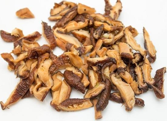 Размягченные грибы шиитаке