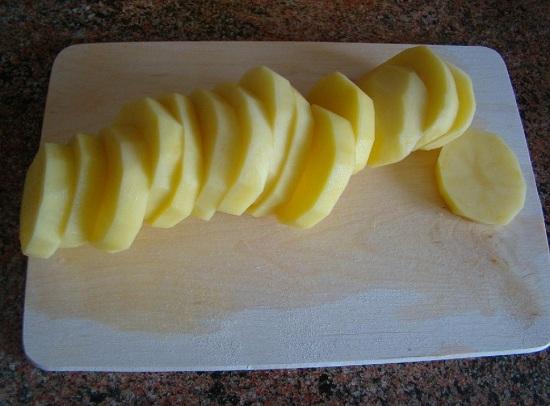 Очищенные картофельные клубни