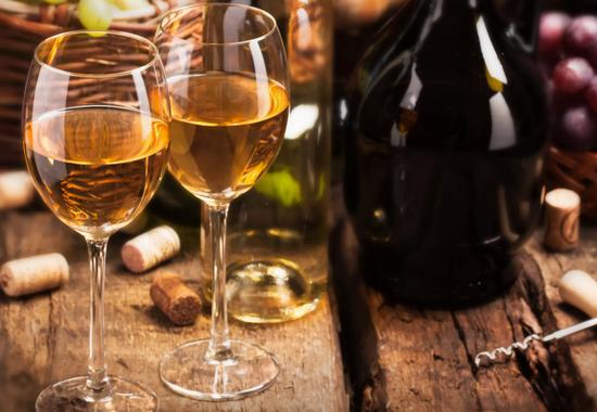 Как влияет на организм белое сухое вино?