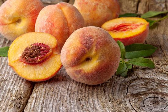 Персики: польза и вред для здоровья