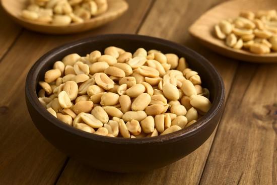 Жареный арахис: польза и вред